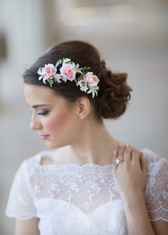 wedding-accessories-with-flowers-wedding-gowns-2017-5