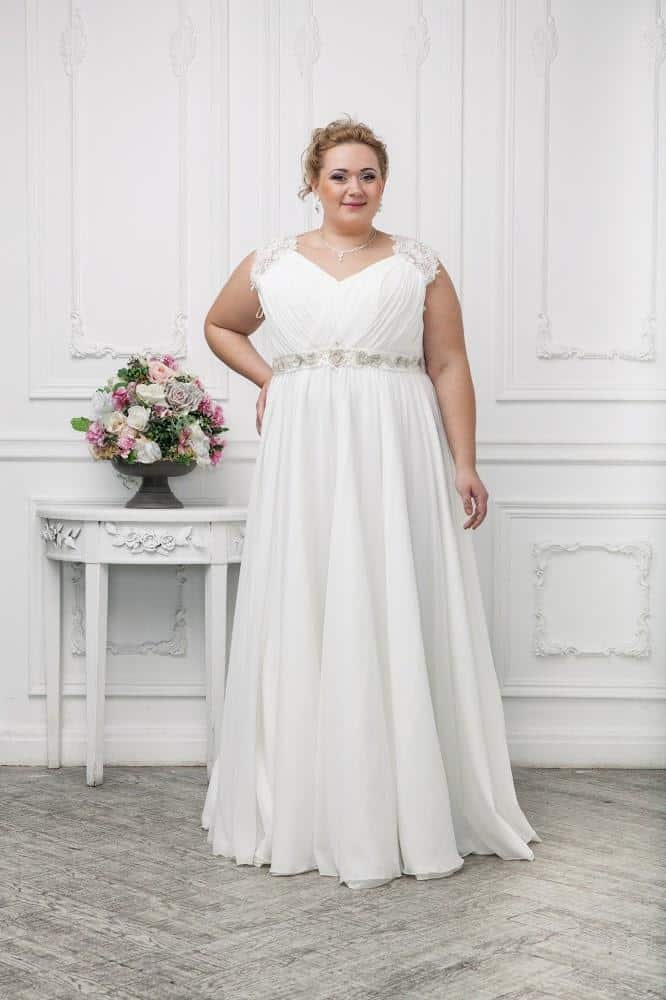Plus-size-bridesmaid-dresses-trend-2016-in-Empire-style-25