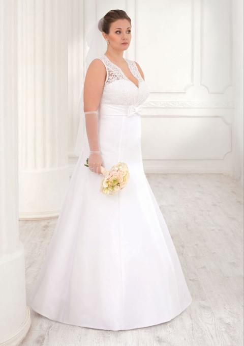 Plus-size-bridesmaid-dresses-trends-2016-4