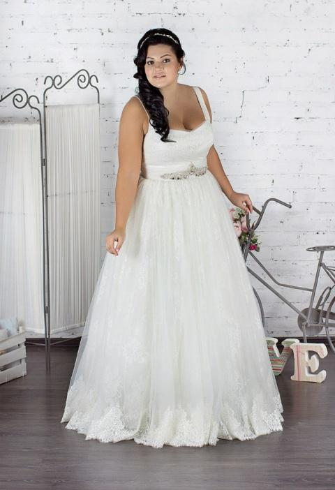 Plus-size-bridesmaid-dresses-trends-2016-53