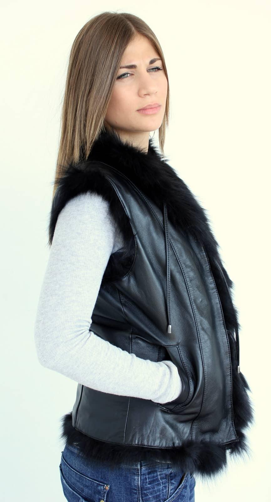 Women's-Sleeveless-leather-jacket-trends-autumn-winter-2016