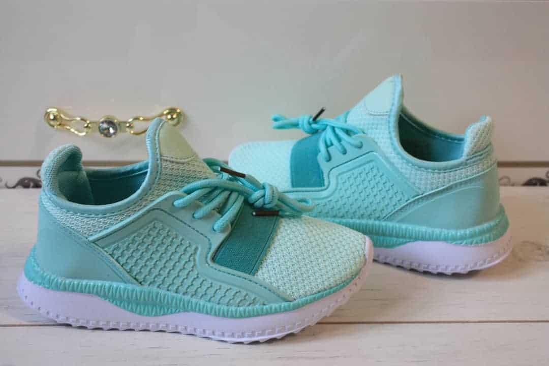 girl-sneakers-2019