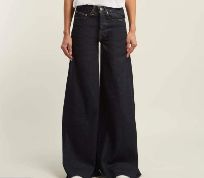 Ladies' Jeans 2022: Black Jeans