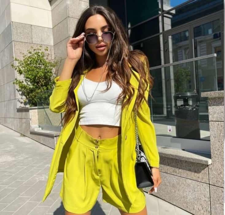 Fashion 2022 shorts with jacket
